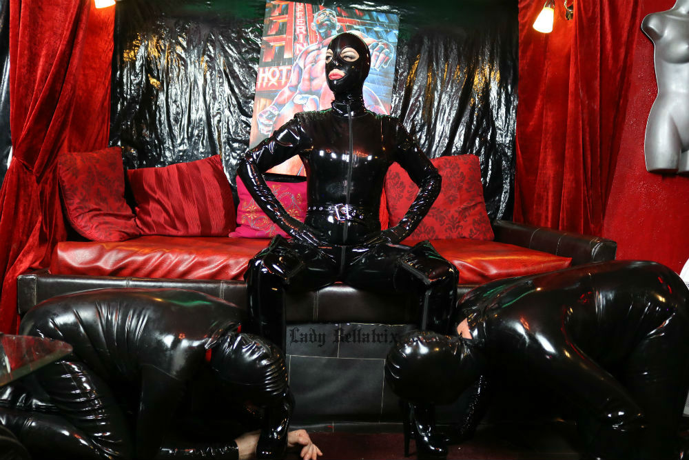 Overnight Heavy Rubber Sessions in Paris