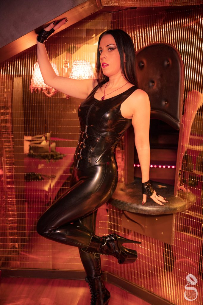 Paris Dominatrix Feburary 2019 updates